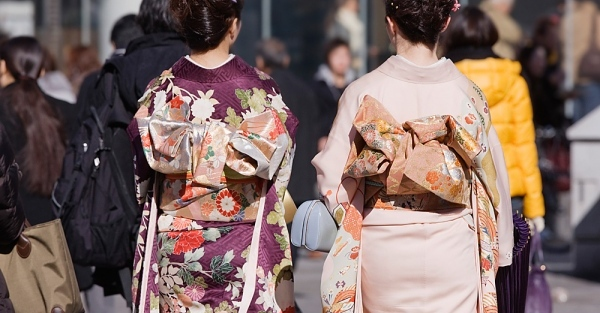 The Allure of Kimonos, the traditional Japanese dress