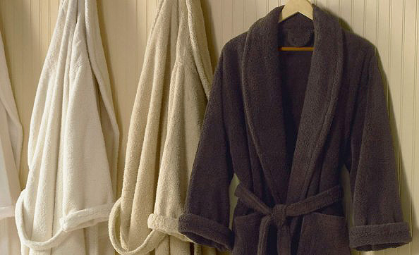 Why Bathrobes Do Not Have Buttons On The Front?