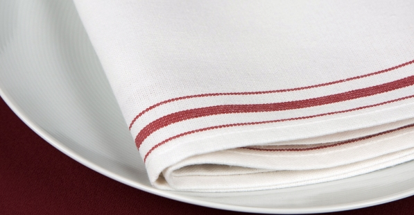 Choose napkin by keeping the casual and formal aspect of dining in mind